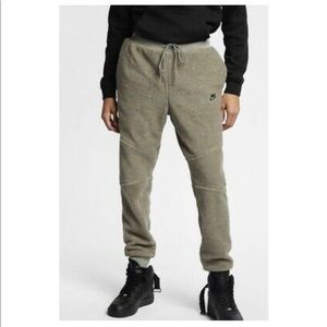 Nike Mens Sherpa Joggers Medium Olive